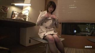 職女。 File 23  百貨店眼鏡売り場勤務    長谷川舞26歳   MEK-020