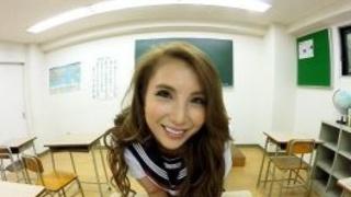 日本VR成人 妖豔賤貨女同學在課室幫我口交