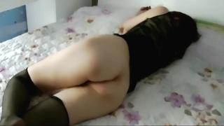 [無碼] 這妹子超騷!午休時故意不穿內褲來誘惑 沒一會就被猛操…叫得舒爽!!