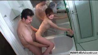 老外在浴室狂幹身材超火辣美女