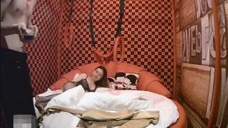 [JAV101本土精選!]很有素養知識型美女 在情趣旅館脫了眼鏡下流淫蕩的做愛