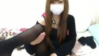 【エロ動画】コテコテのギャル妻が生脱ぎや乳首を見せてます!!