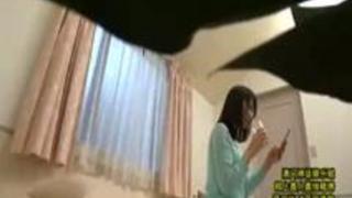 部屋で一人で自慰行為している舞川ゆりなが男に犯される・・・
