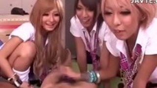 エキゾチックなグループセックス、ガールフレンドで角質の日本の女の子27分