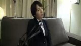 リクルートスーツの就活女子大生をM字開脚緊縛しイタズラし放題の調教面接!