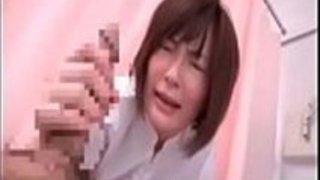 角質の日本人看護婦パート5を吸い取る