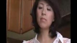 【笹山希】【インセスト】愚息に体を委ねて絶頂イキをくり返すぽちゃスイカップ巨下半身のBBA中年女性ママ!!!笹山希