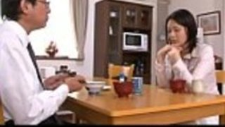 彼女の夫の近くの日本人妻の強制的な性交 -  http://javhd.euで無修正