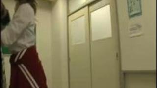 《ヤンキー》「おい!チンポ出せよ♡」超ヤリマンビッチは貧弱男で性欲処理!ザーメン中出し!