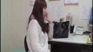 旦那よりひと回り大きいチンポをお口で迎えに行っちゃう欲求不満若妻さんに激中出し zukobako.com