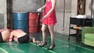 日本の女神麻美鞭打ちと手コキ