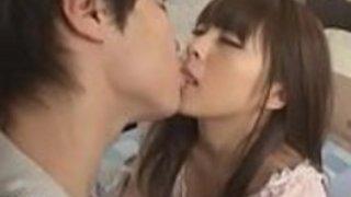 彼女のボーイフレンドによって破壊された日本の女子高生 - もっとElitejavhd.comで