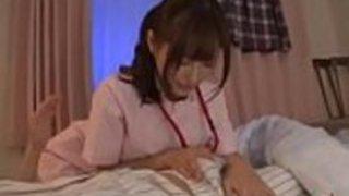 角質の日本の看護婦は患者を性交パート1  - パート2を見るaztube8.com