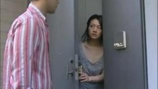 【ヘンリー塚本セックス】30代の未亡人熟女の、ヘンリー塚本のセックスいたずらプレイエロ動画。【pornhub動画】