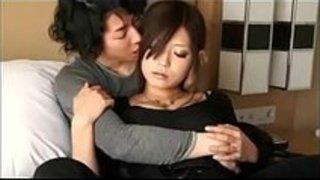 【さとう遥希】彼氏に手マンされたら欲情してベロチューで責める彼女がエロすぎw