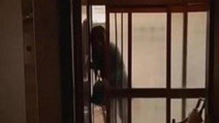 巨乳デリヘル嬢がきったねぇアパートに呼ばれて監禁陵辱を受ける!|巨乳屋無料巨乳エロ動画まとめ