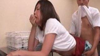 【熟女エロ動画】美巨乳amp美尻!ムチムチボディの美熟女が自宅でこっそり他人棒に喘ぐ不倫セックス!