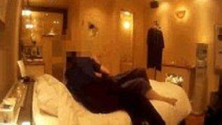 【熟女個人撮影】パイパンの熟女素人の個人撮影中出しプレイエロ動画!!【xvideos動画】