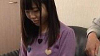 日本のキューティーティーン授乳とファック