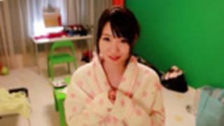 三人組でfacialized日本の小柄な可愛い人