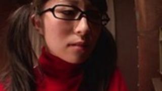 勉強しながら角質女子高生はソロマスターベーション
