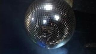 マイクロビキニオイリーダンス2シーン5  - シャカ