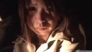 日本のAVスターTubaki加藤は字幕幽霊のためにマスターベーション
