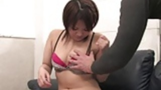 カービー日本人売春婦は大人のおもちゃでオナニー