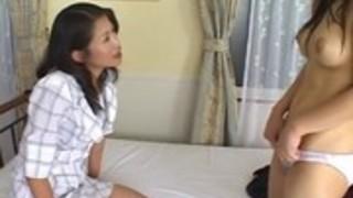 友田真希が若い娘とヌルヌル勃起乳首を擦り合わせるレズプレイ