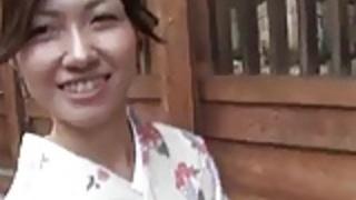 【無修正】おしゃぶり顔も超エロいアヘ顔美人な和服の美人妻!