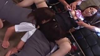 他の女の子が支配巨乳日本人キューティー
