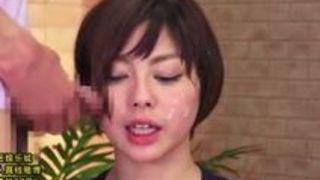 チンポを顔に押し付けられ次々ぶっかけられる美女アナウンサー 卯水咲流