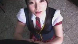 上原亜衣 ロリ美人娘動画 アイドル姿の上原亜衣の主観フェラ