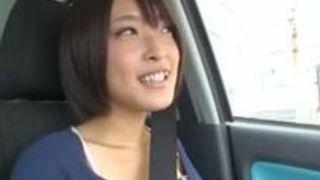 名作AVと名高い小倉ゆず作品の中からデビュー作動画