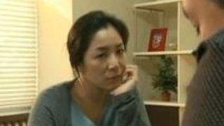 【浅倉彩音不倫】淫らな熟女の、浅倉彩音の不倫プレイエロ動画!