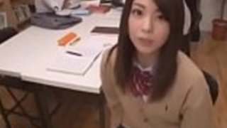 日本人女子高生のオナニーを公開 - もっとElitejavhd.comで