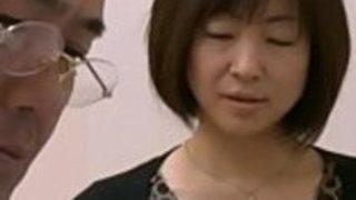 アジアの日本の美しい熟女と彼女の茶屋さん -  Pt2 on HdMilfCam.com