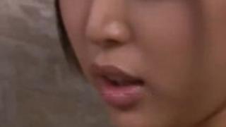 【葵つかさ】大阪府出身27歳のエロい美女従姉に誘惑されて手ヌキ足コキでイカされる12【No5982】