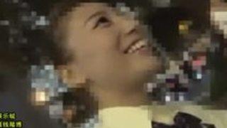 【初川みなみ】夜の公衆便所!クラスのマドンナがフェラチオしてた!
