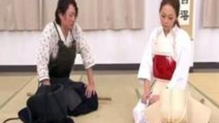 「いやぁ!!止めてぇ!!」レイプされてプライドをズタボロにされる女剣士